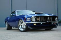 Visit The MACHINE Shop Café... ❤ Best of Ford @ MACHINE ❤ (1970 Ford Mustang Coupé)
