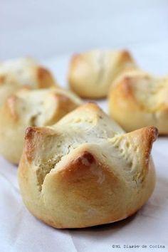 Esta receta de pan de huevo es muy popular en Chile. Es sencilla y rápida de hacer. Puede disfrutarlos en cualquier ocasión.