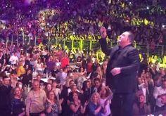 Στο βιβλίο Γκίνες ο Βασίλης Καρράς! 17.000 άτομα μέσα στο στάδιο Arena Music, Movies, Movie Posters, Musica, 2016 Movies, Film Poster, Films, Musik, Muziek