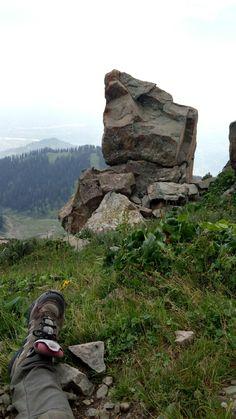The sunshine peak trail, hiking via Magam town