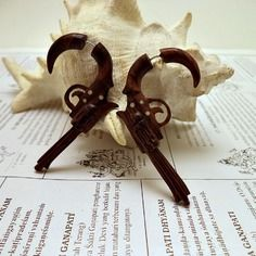 Boucle d'oreille faux ecarteur bois