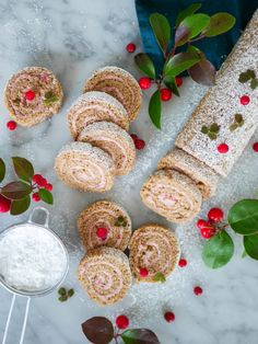 Mjuk pepparkaksrulltårta med lingonfyllning | Brinken bakar Xmas Food, Christmas Sweets, Christmas Baking, Swedish Recipes, Sweet Recipes, No Bake Desserts, Dessert Recipes, Dessert Drinks, Baking Recipes