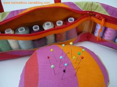 Les couturières s'équipent - KanKatKou Coin Purse, Purses, Wallet, Scrappy Quilts, Raincoat, Sewing Ideas, Toiletry Bag, Bag Patterns, Handbags
