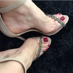 @coisas_carol #feetporn #feetfetish #shoesporn #highheels #feetjob #sexyfeet #feetporn #sexywoma #shoes #solesfetish #highheelshoes #shoesjob #passionfeet #shoeslove18