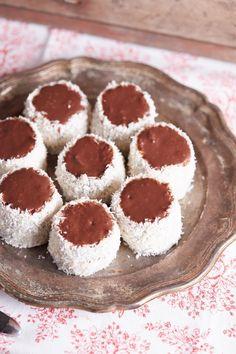 Hólabda Candy Recipes, Sweet Recipes, Holiday Recipes, Dessert Recipes, Delicious Restaurant, Hungarian Recipes, Christmas Snacks, Sweet And Salty, Winter Food