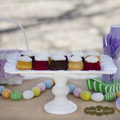 We love our easy DIY Easter egg garland. #EasterTablescape | Nothing Bundt Cakes