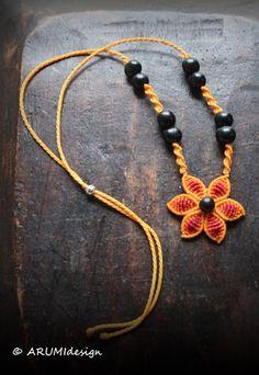 ORANGE FLOWER fiber choker cavandoli macrame por ARUMIdesign