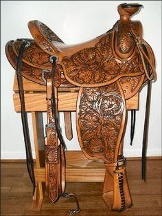 Oldest Horse Saddles - Bing images Cowboy Gear, Cowboy Horse, Western Cowboy, Western Saddles, Western Tack, Western Decor, Horse Hay, Horse Barns, Cowboy Pictures