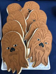 You searched for cookie Chewbacca Cookies from a LEGO Star Wars Birthday Party on Karas Party Ideas Star Wars Food, Star Wars Decor, Lego Star Wars, Star Trek, Star Wars Birthday Cake, Star Wars Party, Birthday Cookies, 3rd Birthday, Birthday Parties