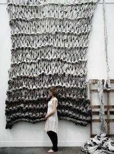 Sea Art Exhibition by fiber artist Jacqueline Fink of Little Dandelion Love Knitting, Giant Knitting, Arm Knitting, Vintage Knitting, Vintage Crochet, Extreme Knitting, Knit Art, Yarn Bombing, Sea Art