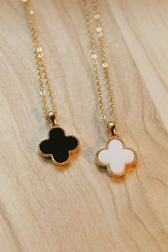 Clover love peach heart necklace collarbone chain sweater chain,lowest price shop at Gofavor.us