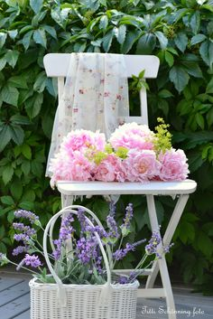 Flowering chair