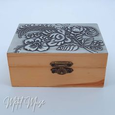 Flower Boxes, Flowers, Pewter, Muse, Decorative Boxes, Metal, Home Decor, Window Boxes, Tin