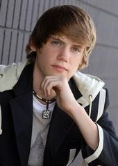 Found on Bing from hsm3gnews.blogspot.com Mens Medium Length Hairstyles, Hair Styles, Hair Plait Styles, Hair Makeup, Hairdos, Haircut Styles, Hair Cuts, Hairstyles, Hairstyle