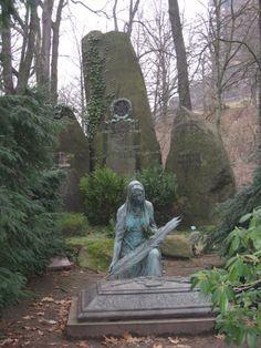 Quite beautiful...why I love wandering thru cemeteries...