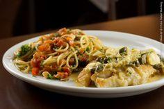 Angeline (almoço)    Pescada branca molho Nemours com espaguete à Florentina  Pescada: Molho branco, alcaparra, salsinha, vinho branco e limão; Espaguete à Florentina: espinafre, cebola pimentão vermelho, azeite, parmesão