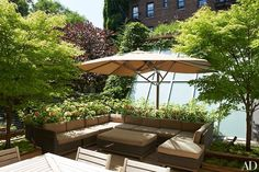 The roof terrace features plantings devised by Halsted Welles Assoc.