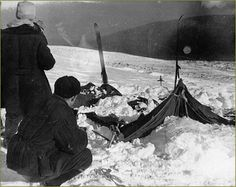 Russia's Dyatlov Pass Incident, the Strangest Unsolved Mystery of the Last Century: 54 years ago this month, the northern part of the Urals played host to one of the most fascinating unsolved mysteries in the modern age. Mystery, Ufo, Discovery Channel, Unexplained Mysteries, Unexplained Phenomena, Ancient Mysteries, Matou, Cryptozoology, Cold Case