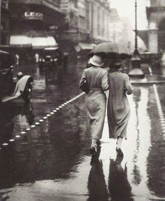 """fuckyeahmodernflapper: """"Rainy day in Paris, 1934 """""""