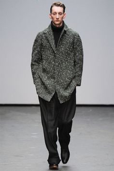 Luxuriously Uniformed Streetwear : Balenciaga Menswear collection