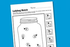 Ladybug Matching Worksheetis perfect for preschool and kindergarten age kids as they practice counting, cutting and gluing.
