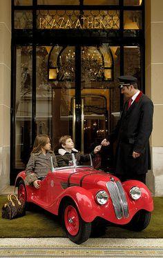 BMW 328 Blanc-Chateau au Plaza Athénée, Paris