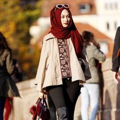 """Current colour mood : autumn shades . • • I spam my feed with lotsa maroon, but I love it~ 