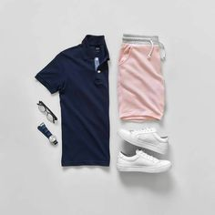 dark blue and rose ! A strong with a soft color with a pair of white shoes 💥 great mix by . Short Outfits, Summer Outfits, Casual Outfits, Men Casual, Fashion Outfits, Fashion Tips, Fashion Images, Hijab Fashion, Men Fashion Show