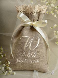 Natural Rustic Linen Wedding Favor Bag Lace by DecorisWedding Wedding Linens, Diy Wedding, Wedding Gifts, Lace Wedding, Wedding Card, Decoration Buffet, Pochette Diy, Custom Tags, Wedding Favor Bags