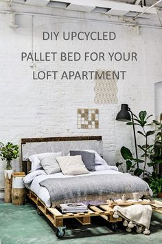 How to make a platform bed from pallets + win a copy of 'Pallet Style' Step-by-step guide (with photos) to make an upcycled pallet bed on castor wheels for your loft-style apartment Pallet Platform Bed, Build A Platform Bed, Pallet Furniture And Decor, Upcycled Furniture, Garden Furniture, Pallet Crafts, Diy Pallet Projects, New Pallet Ideas, Wood Ideas