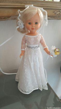 Nancy novia rubia (corte inglés) Doll Toys, Dolls, Girls Dresses, Flower Girl Dresses, Wedding Dresses, Crafts, Fashion, Blonde Bride, Bridal Gowns