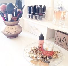 All a girl needs 💁 Makeup Vanity Storage, Makeup Organization, Organisation Ideas, Classy And Fab, Just Girly Things, Girly Stuff, Beauty Room, Beauty Stuff, Makes You Beautiful