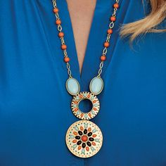 Statement necklace: Brown, turquoise and bright orange make our Alicante necklace really stand out.