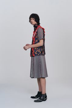 See the complete MSGM Pre-Fall 2017 collection.