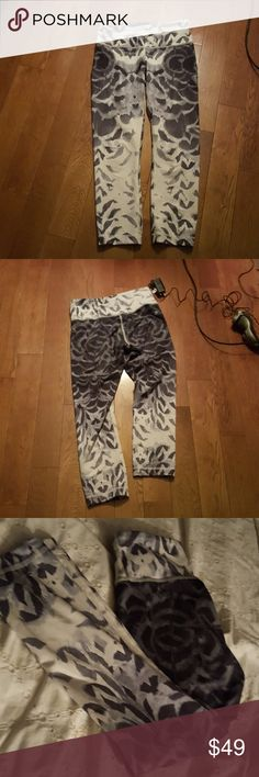 Lululemon Flash Sale $39  8 hrs only Lululemon crops. EUC no trouble sports.  Just not a fan of animal prints. My loss your gain. Priced to sale 2 days only$39 lululemon athletica Pants