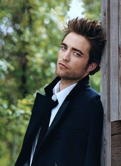 Robert Pattinson - Dreamy and sparkly