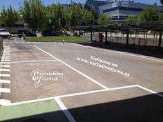 Instalación en el parking de una fabrica en Tres Cantos pintado de parking con líneas blancas-negras y amarillas según corresponda con simbología de discapacidad-20km-paso peatonal, peatones, etc... Esperamos que os gusten!! Visitanos en : www.exclusivasjoma.es