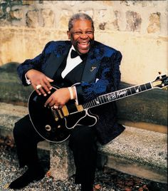 While we still don't know the official details of Universal's New Year's Eve festivities, we do know that the King of Blues himself will be playing at Hard Rock Orlando Live (at CityWalk) on New Year's Day. So if you're looking for a little sophistication to mix with your celebration, tickets for the B.B. King concert are on sale now at Ticketmaster.