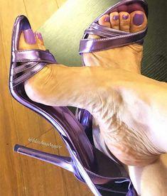 Those arches make me weak 🔥🔥🔥🔥 Beautiful High Heels, Gorgeous Feet, Sexy Legs And Heels, Hot High Heels, Feet Soles, Women's Feet, Ankle Strap Heels, Pumps Heels, Stilettos
