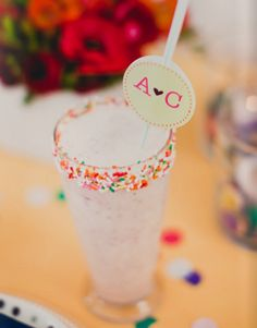 Such a cute way to decorate the rim of a glass