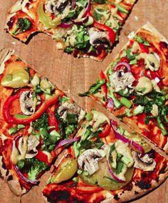 Delicious-looking vegan pizza Vegan Recipes Videos, Vegan Lunch Recipes, Healthy Recipe Videos, Veggie Recipes, Whole Food Recipes, Cooking Recipes, Healthy Recipes, Sin Gluten, Quinoa