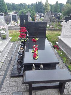 Nagrobki pojedyncze nowoczesne - KAMIENIARSTWO Czesław Sójka Dad In Heaven Birthday, Grave Decorations, Table Decorations, Tombstone Designs, Dad Rocks, Outdoor Furniture Sets, Outdoor Decor, Cemetery, Flower Arrangements