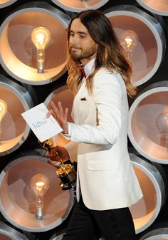Net Photo: Jared Leto from the Academy Awards held at the Dolby Theatre in LA (March 2 March 2014 Image ID: . Pic of Jared Leto - Latest Jared Leto Image. Academy Awards 2014, Academy Award Winners, Most Beautiful Man, Gorgeous Men, Beautiful People, Jared Leto Oscar, 30 Sec To Mars, Jered Leto, Dallas Buyers Club