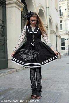 Tumblr user kittensandsteam wears Nightmare Rising to Tea Time Bruxelles.