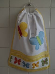 Bate-mão variados 2                                                                                                                                                      Mais Towel Dress, Towel Apron, Dish Towels, Hand Towels, Tea Towels, Applique Towels, Machine Embroidery Applique, Quilting Projects, Sewing Projects