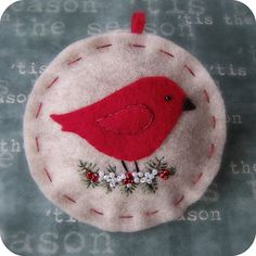 Little Red Bird on Oatmeal Felt Christmas door TheTinyGarden Felt Christmas Decorations, Christmas Ornaments To Make, Christmas Sewing, Noel Christmas, Felt Ornaments, Christmas Projects, Felt Crafts, Handmade Christmas, Holiday Crafts