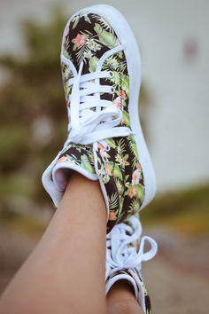 tropical print sneakers... want!