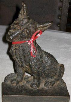 ANTIQUE BRADLEY HUBBARD CAST IRON CORGI DOG GARDEN ART STATUE SCULPTURE DOORSTOP