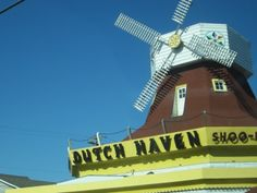 from AmishAmerica.com  Dutch Haven in Lancaster, PA  know for their Shoo-Fly Pie.