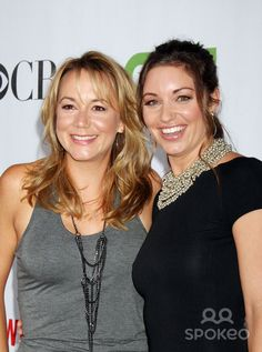 Megyn Price and Bianca Kajlich Bianca Kajlich, Megyn Price, Rules Of Engagement, Beautiful Disaster, Hair Color, Breast, Beautiful Women, Celebs, Actresses